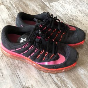 Women's Size 10 Nike Air Max 2016